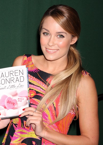 Lauren+Conrad+Signing+Copies+Sweet+Little+XpTWQBTbs34l